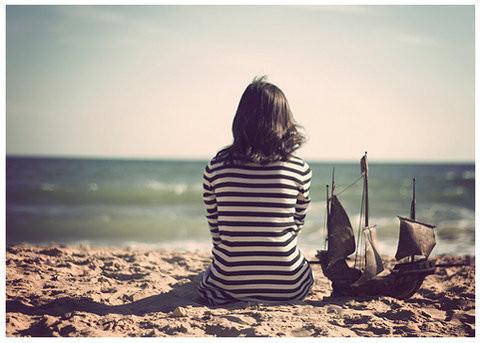 sad,doll,girl,lonely,missyou,vintage-3257e0060ed739bda2cbded8d8ec8626_h